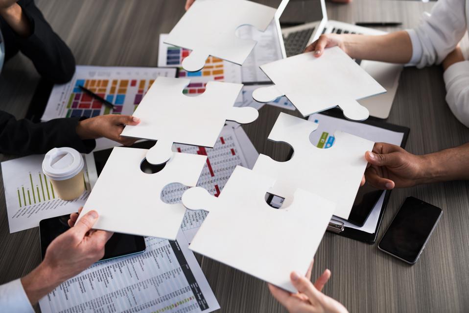 Six Crucial Behaviors Of Collaborative Leaders