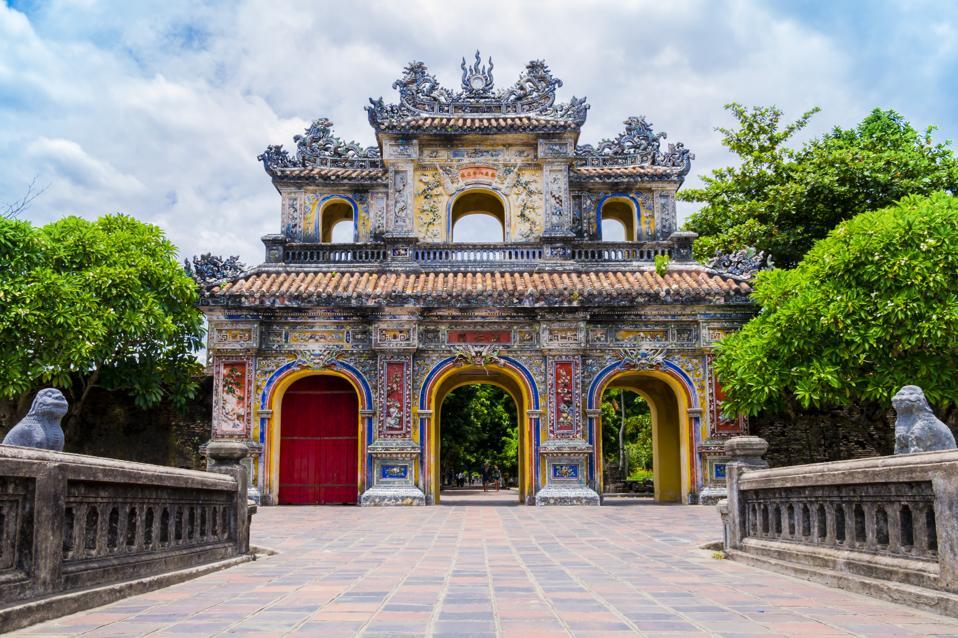 The 20 Best Things To Do In Vietnam In Your Twenties