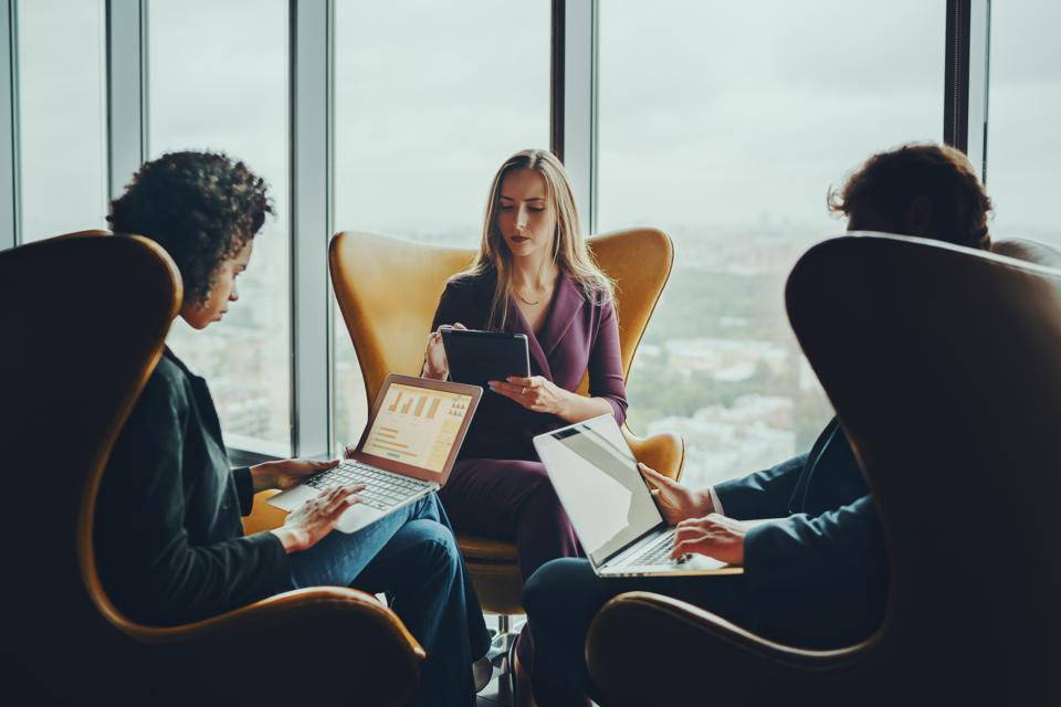 Do This, Not That: 10 Ways You Accidentally Contribute To Employee Disengagement
