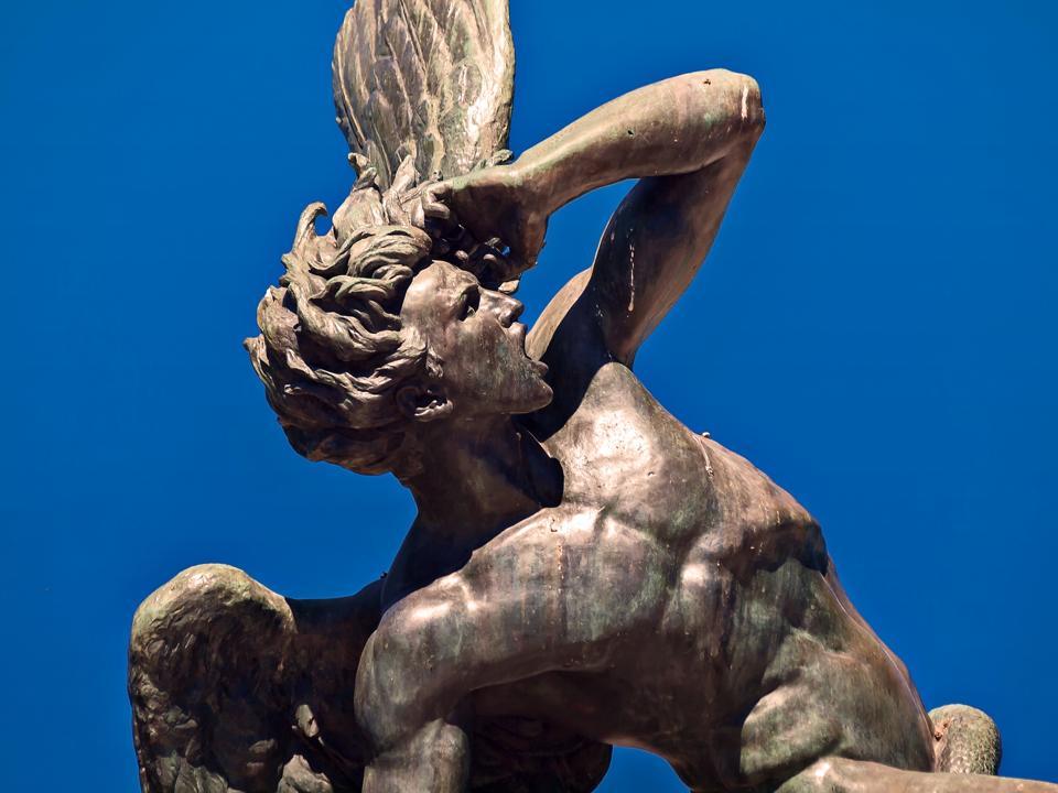 Spain,Madrid, Retiro Park, Fountain of the Fallen Angel