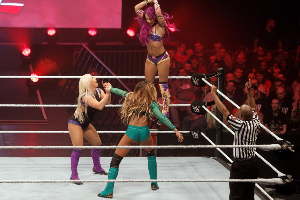 WWE star Dana Brooke takes on Sasha Banks and Alicia Fox