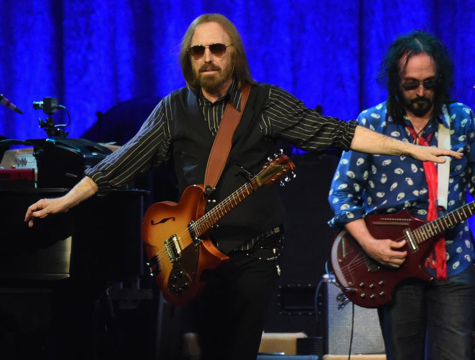 how tom petty ruled classic rock with the tour of 2017. Black Bedroom Furniture Sets. Home Design Ideas