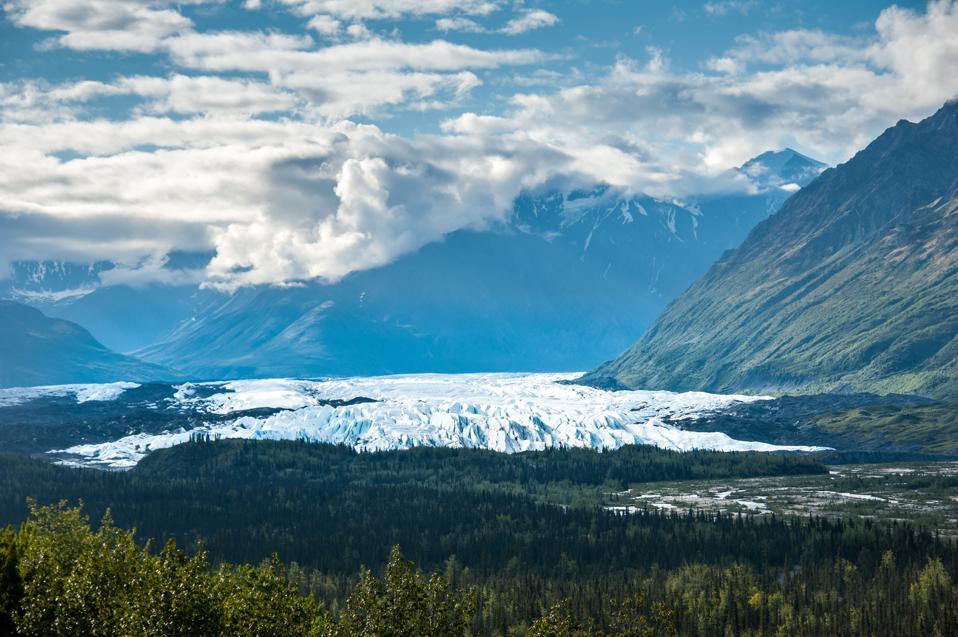 Chugach mountain range and the Matanuska glacier from the Glenn Highway National Scenic Byway in Alaska