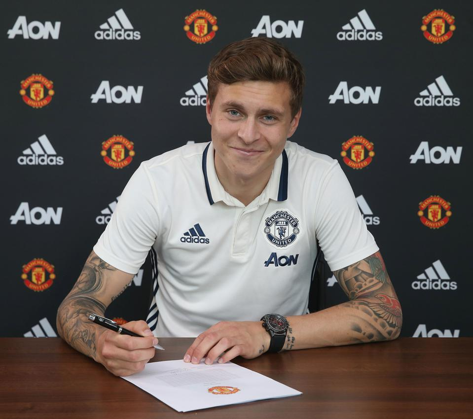Manchester United Announce Signing of Victor Lindelof