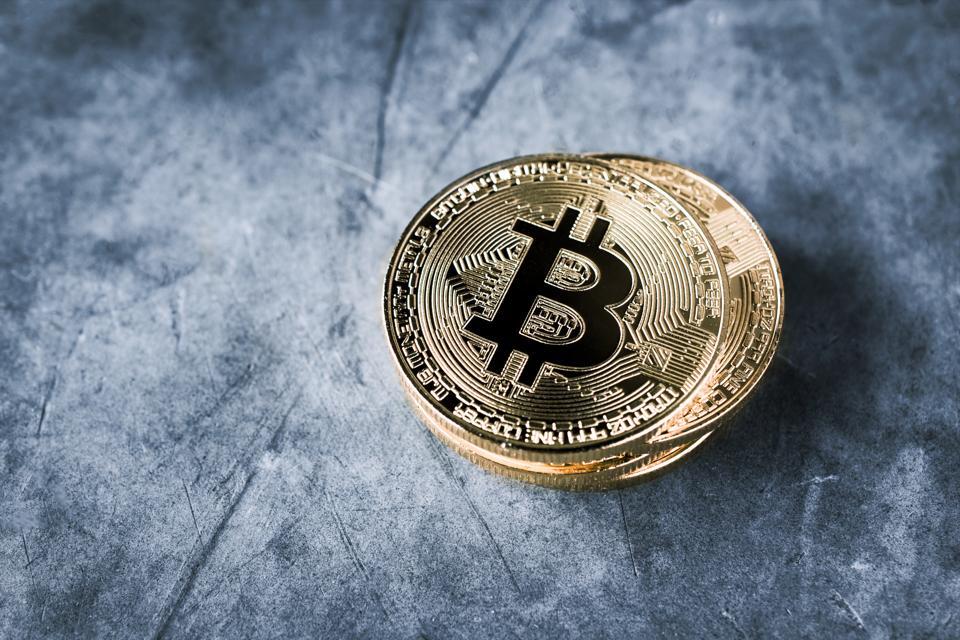 Bitcoin Finds Strength Near $4,000