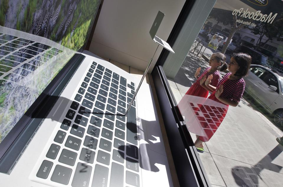 Tech Test First Look Retina MacBook