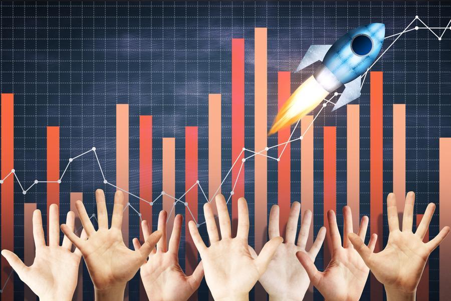 Axcelis Technologies Is Up 136% This Year; Aalok Devkota Is Selling