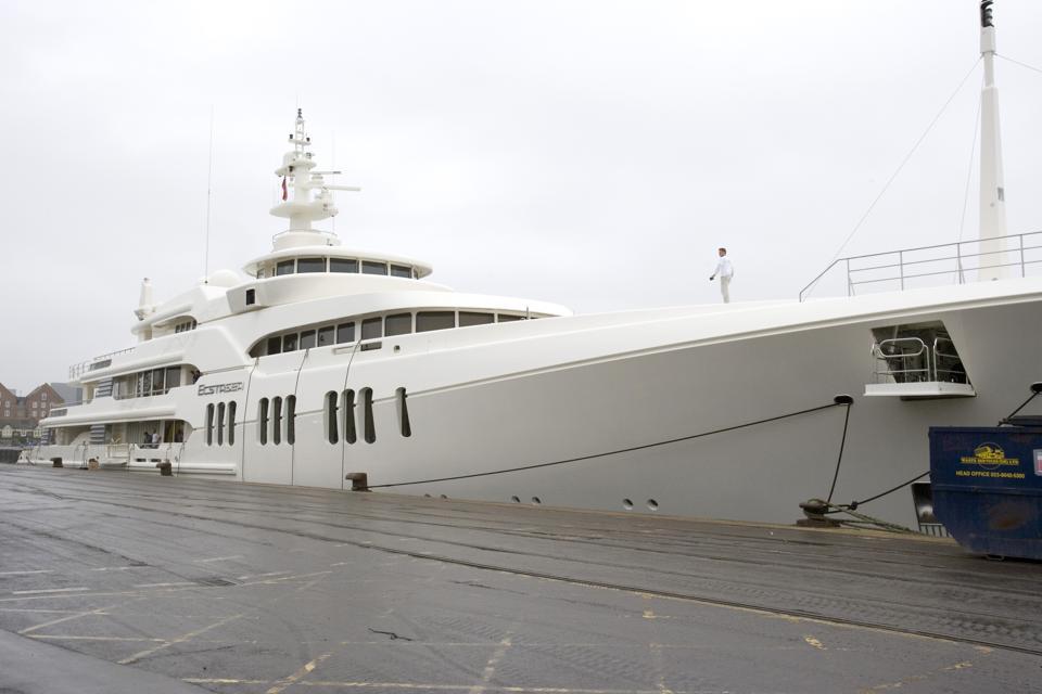Roman Abramovich's Super-Yacht 'Ecstasea' Leaves Poole For Hamburg