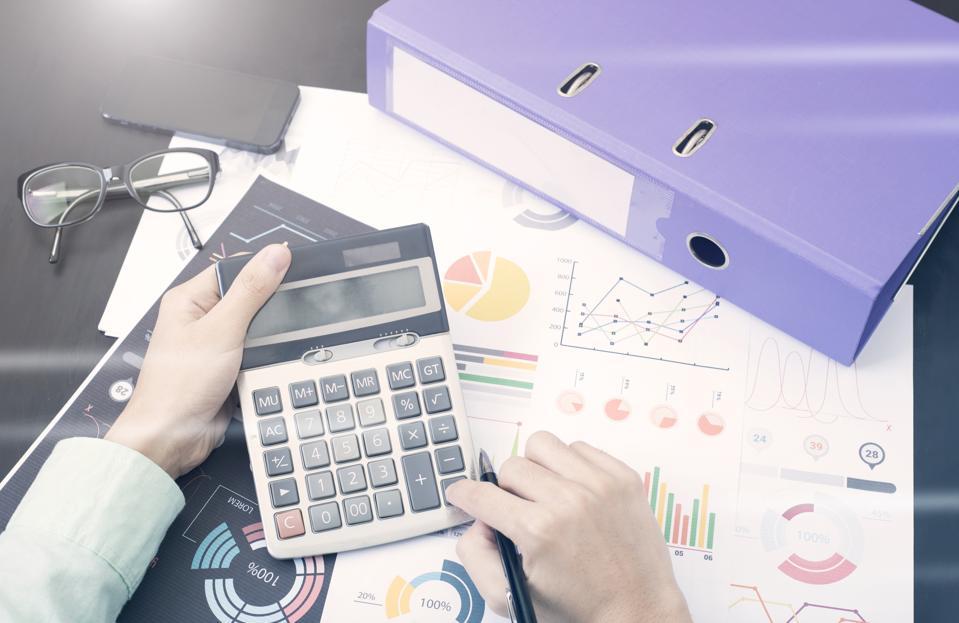 Trabalha como Freelancer? Saiba como fazer o seu orçamento de forma inteligente e como poupar dinheiro