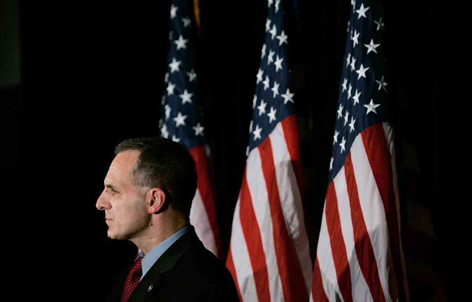 "a biography of louie freeh a director of the fbi Louis freeh's fifth act by a picture of the man some call ""director freeh,"" some ""judge freeh,"" but most just ""louie fbi agent and director, then."