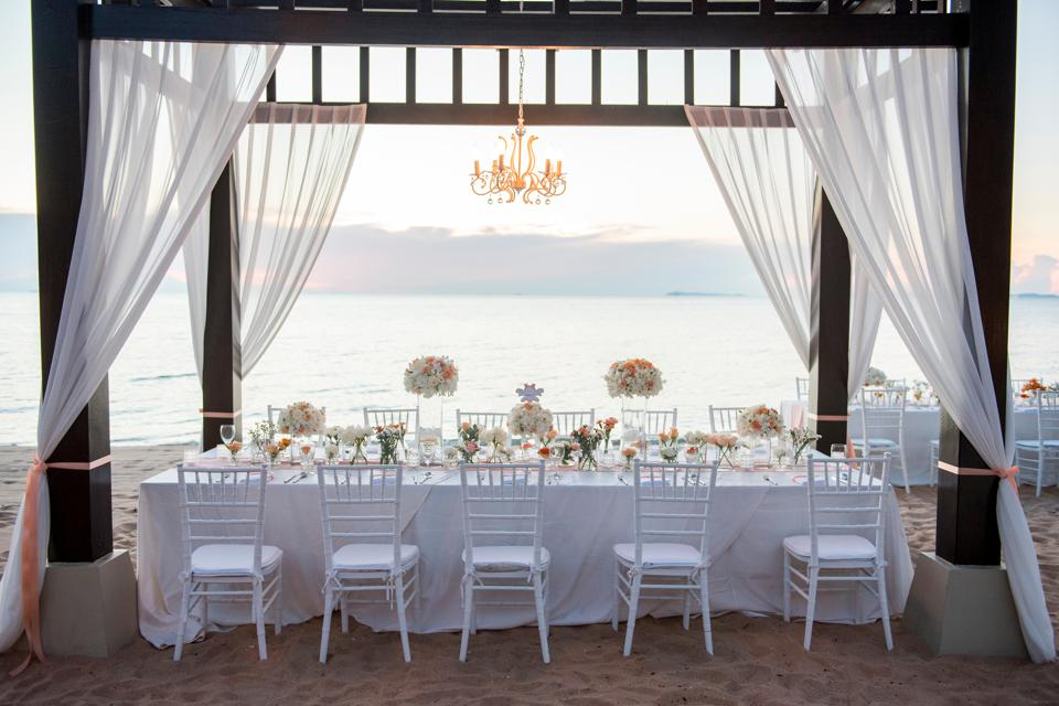 Place Setting For Wedding Reception At Beach