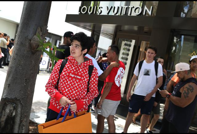 consumer behaviour of louis vuitton Impact of celebrity endorsement on consumer buying  new face of the luxurious brand louis vuitton  to tell the consumer why a product makes sense.