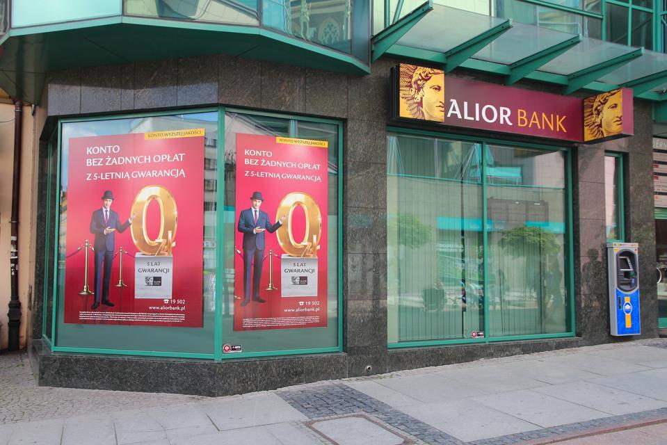 Alior in Poland using public ethereum blockchain.
