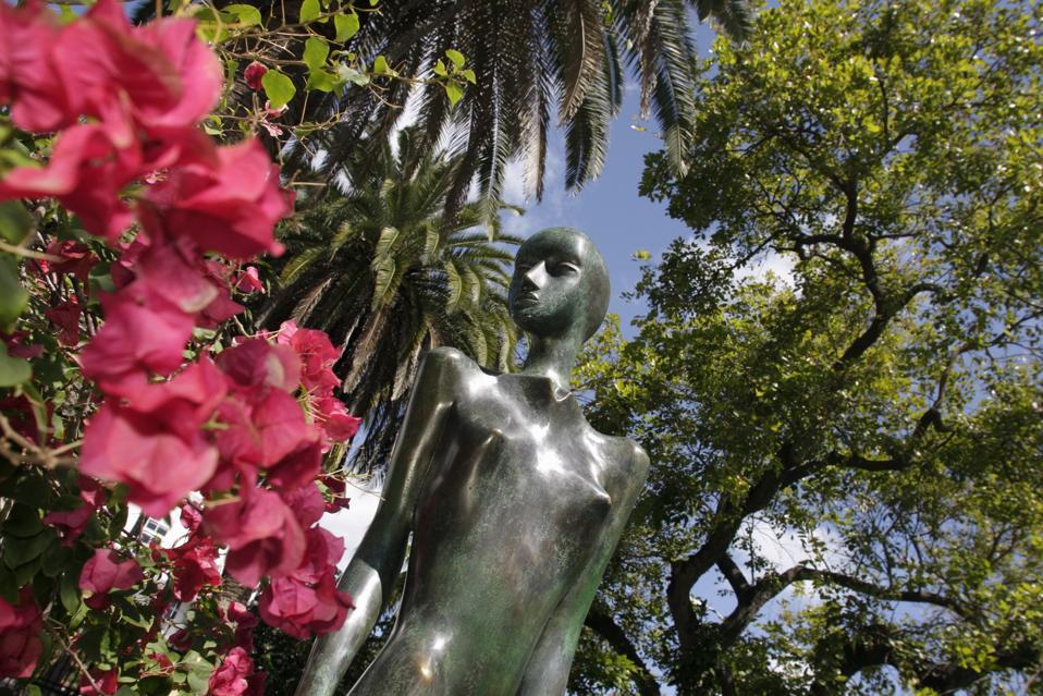 A bronze sculpture by Oxana Narozniak at the Miami Beach Botanical Garden