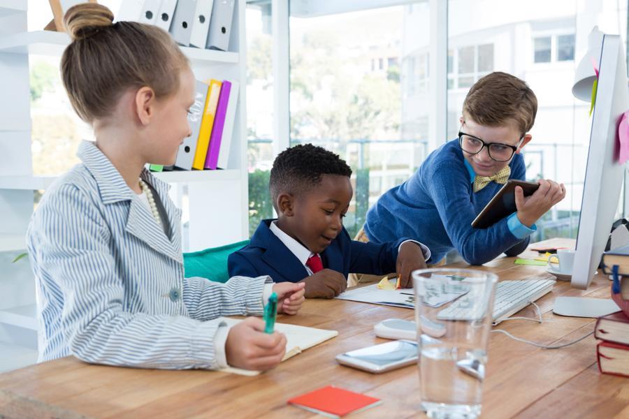 5 Critical Reasons Parents Should Model Entrepreneurship Skills Daily