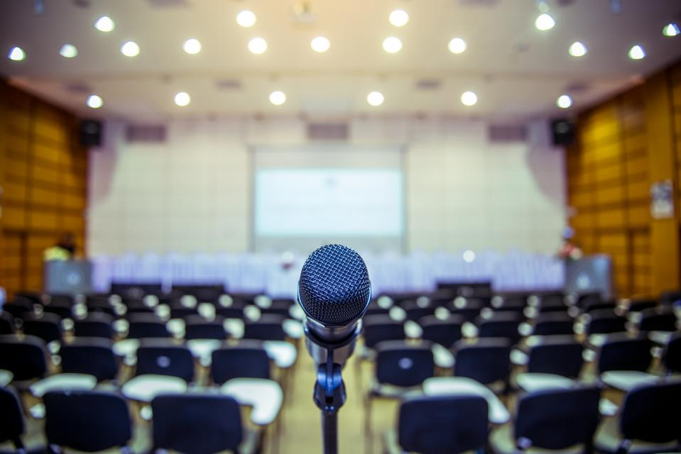 5 Nuggets Of Advice For The Novice Professional Speaker