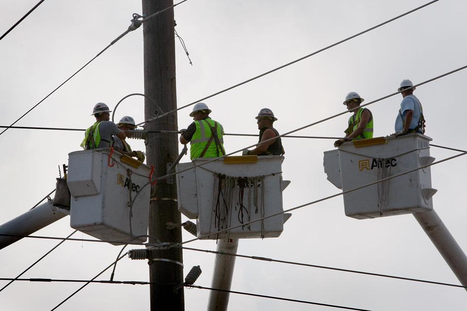 Coastal Texas Faces Heavy Damage After Hurricane Ike