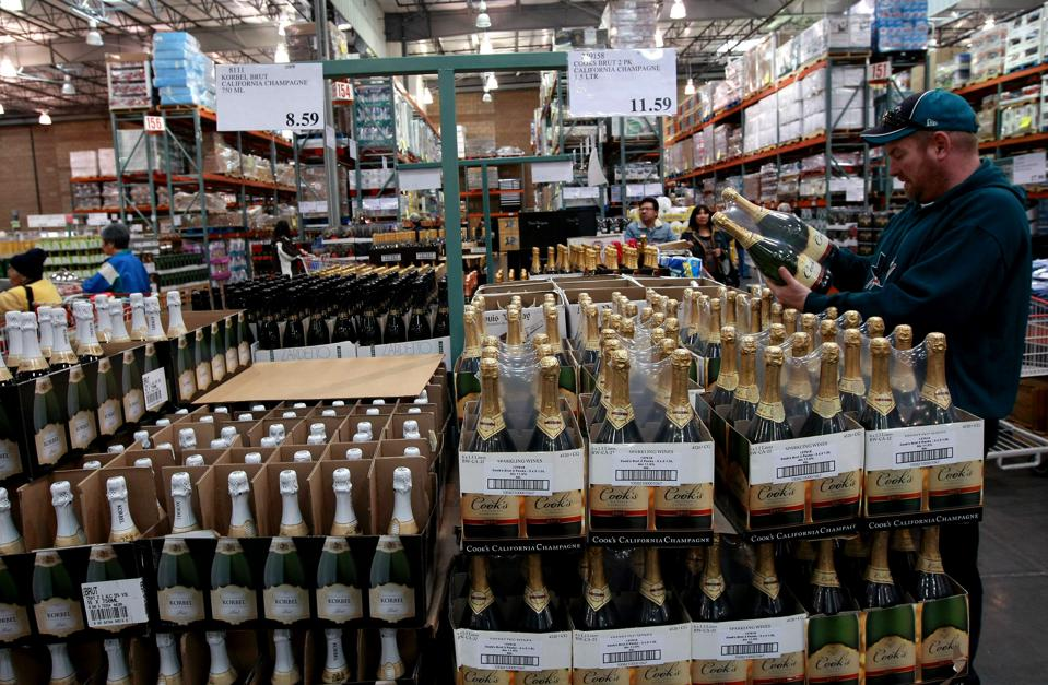 Sales of sparkling wine and champagne at CostCo, California, 2020