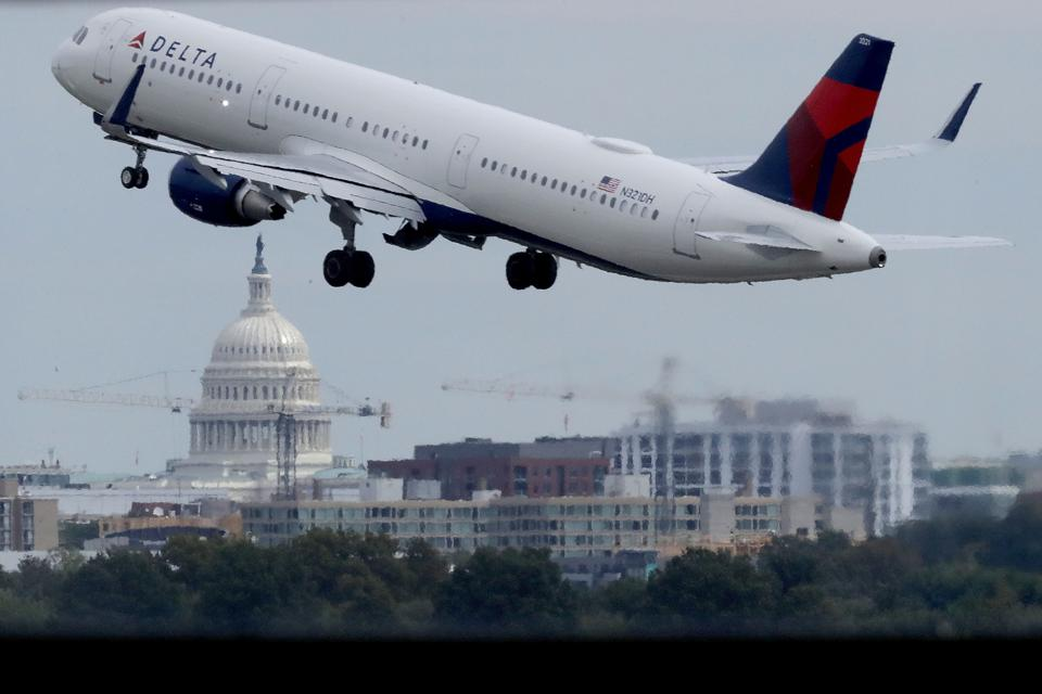 Travelers Negotiate Busiest Travel Day Of Labor Day Weekend