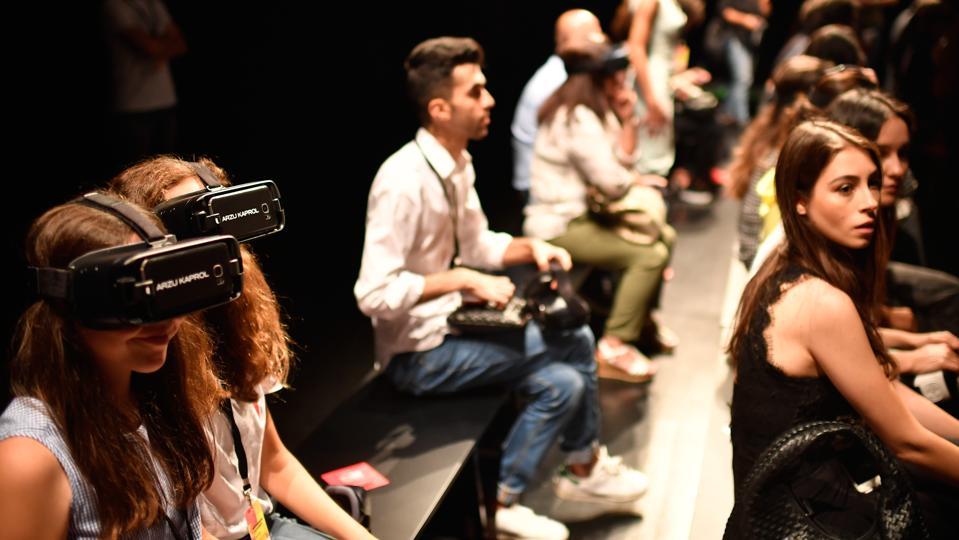 Arzu Kaprol - Presentation - Mercedes-Benz Fashion Week Istanbul - September 2017