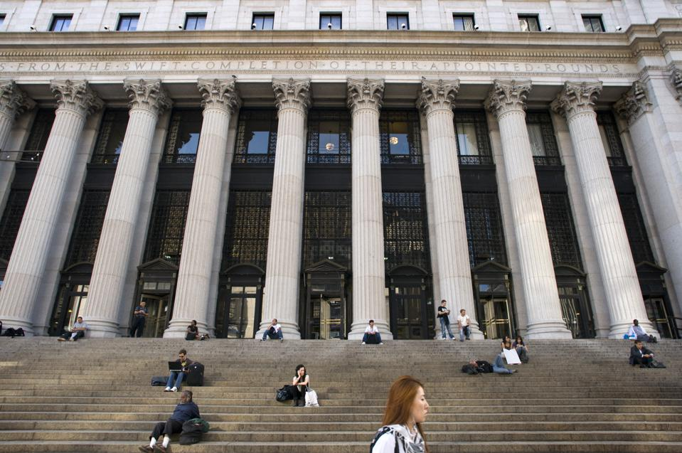 Facebook is negotiating a 740,000 square foot lease at the Farley Post Office located at 421 8th Avenue between 31 St. and 33 St.  (Photo by: Sergi Reboredo/VW PICS/Universal Images Group via Getty Images)
