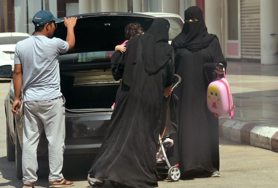 Arab woman in hijab no money no problem arabs exposed xc15339 - 2 9