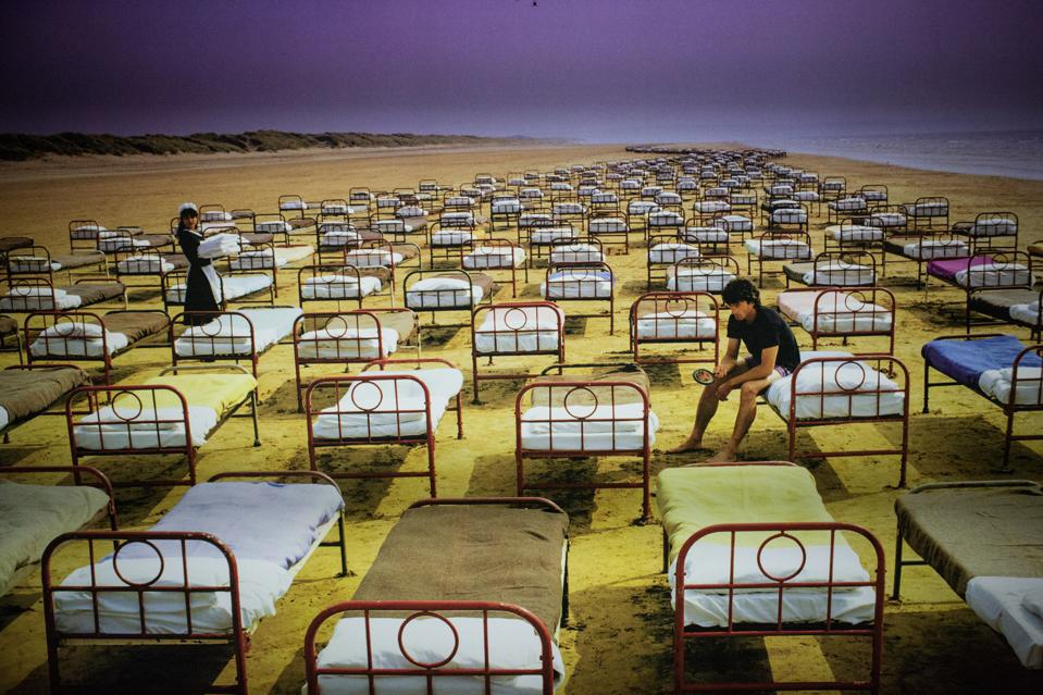 An artwork of the album cover A momentary lapse of Reason...