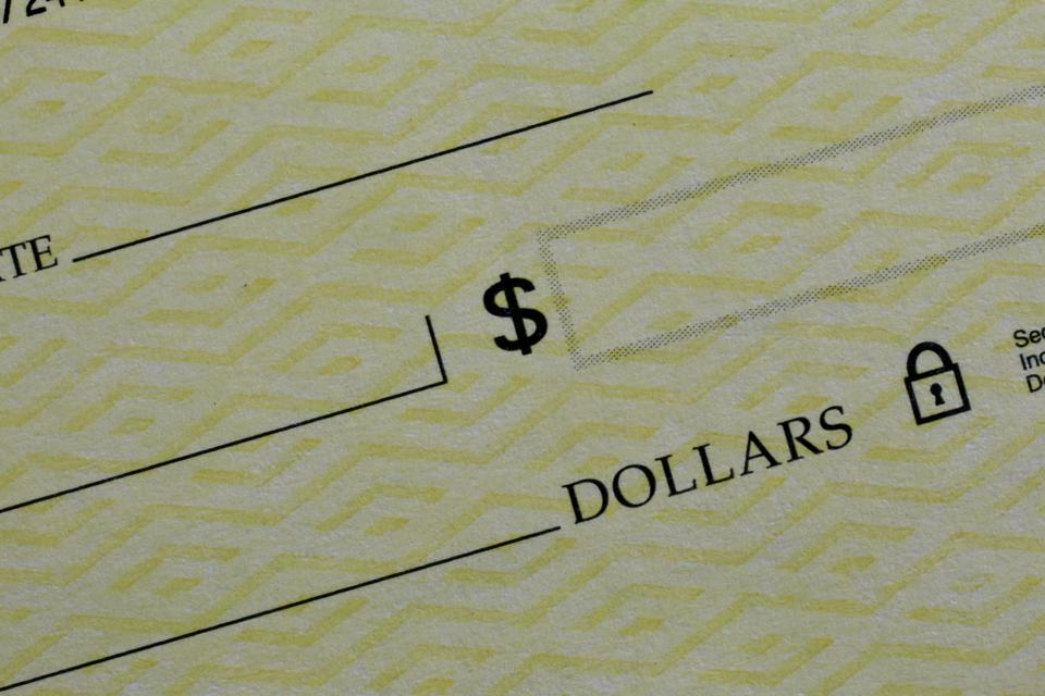 Blank monetary cheque used as a bill of exchange