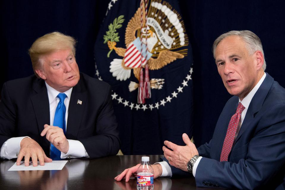 US-POLITICS-HURRICANE-RELIEF-TRUMP