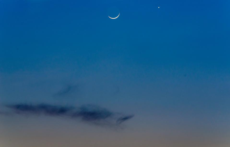 Venus & Crescent Moon  at Dawn