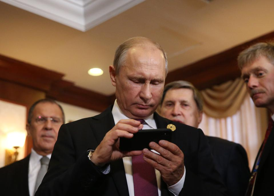 Putin's New Gadget Ban: Another Warning Sign For Russia