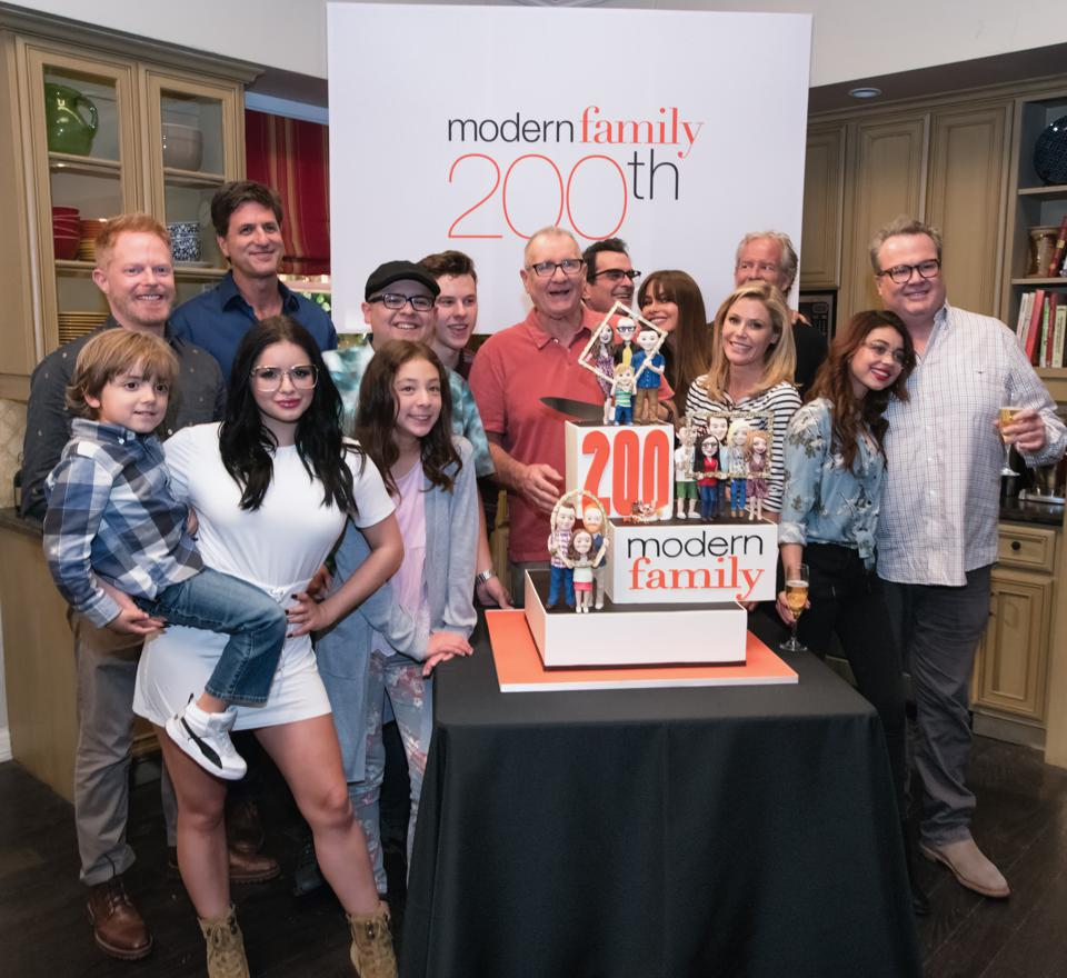 A Modern Family signing off: 'modern family' concludes on abc after 11 seasons