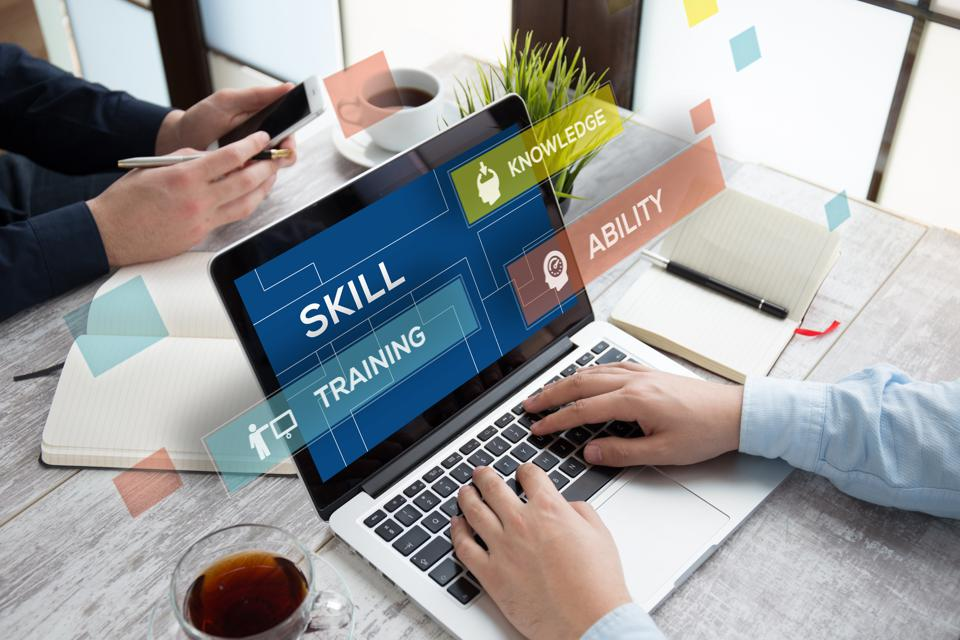 Online learning increases productivity, retention and engagement.