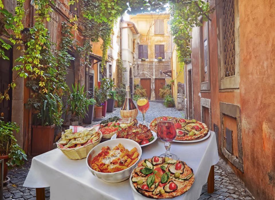 Pasta , pizza and homemade food in Rome