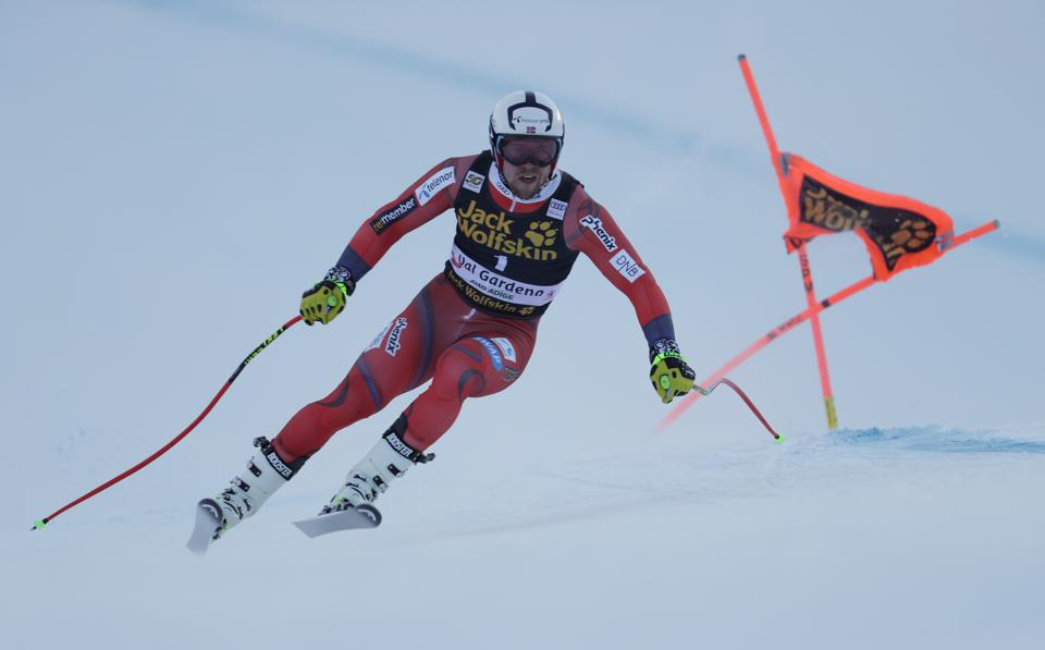 Audi FIS Alpine Ski World Cup - Men's Downhill Training  VAL GARDENA, ITALY - DECEMBER 14: Aleksander Aamodt Kilde of Norway races down the Saslong course during the Audi FIS Alpine Ski World Cup Men's Downhill training on December 14 2017 at Val Gardena, Italy. (Photo by Mitchell Gunn/Getty Images)