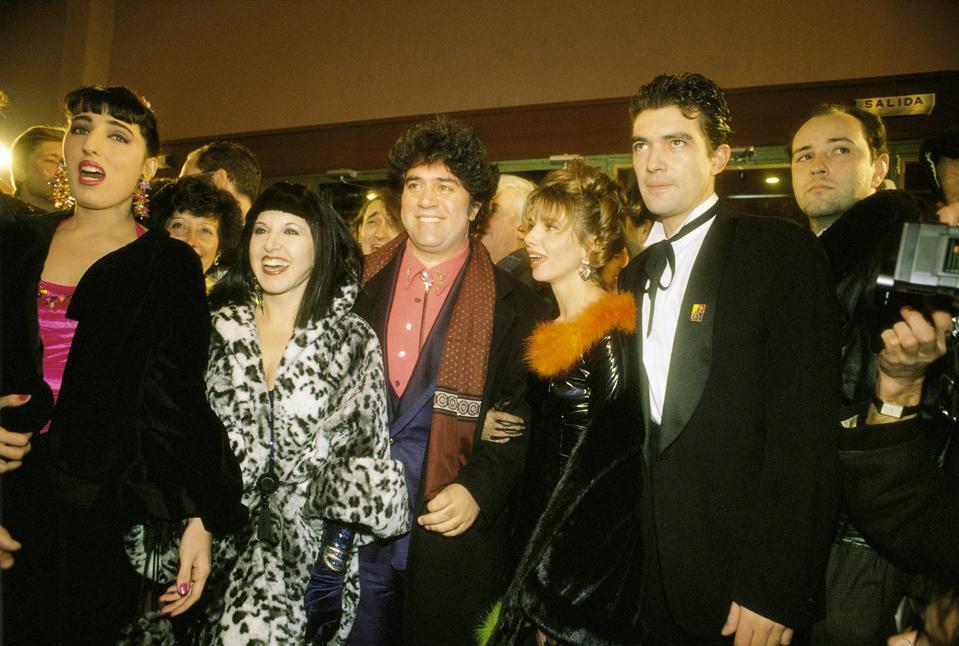 Pedro Almodovar with actors Rossy de Palma, Loles Leon, Victoria Abril, Antonio Banderas