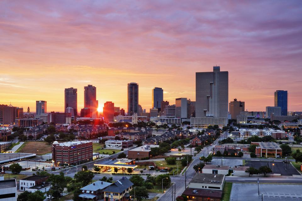 Fort Worth, Texas skyline at sunrise