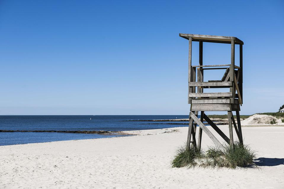 Rustic lifeguard stand overlooking the ocean at Red River...