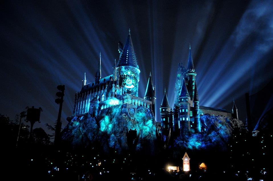 Eerily-convincing projections make it seem like students are inside the rooms at Hogwarts (Gerardo Mora/Getty Images)