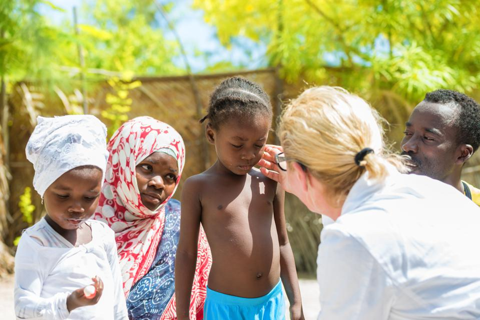 Doctor meet African child