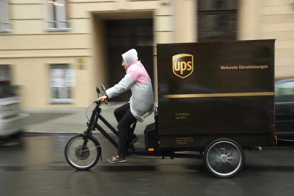 UPS Uses Cyclists To Expand Delivery Services