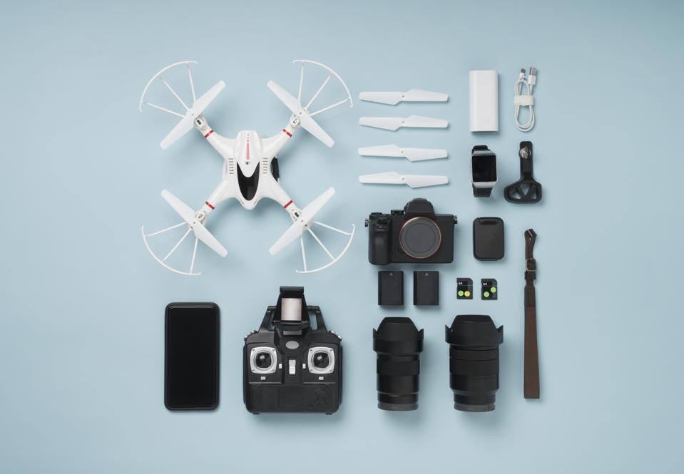Drone shooting item knolling style