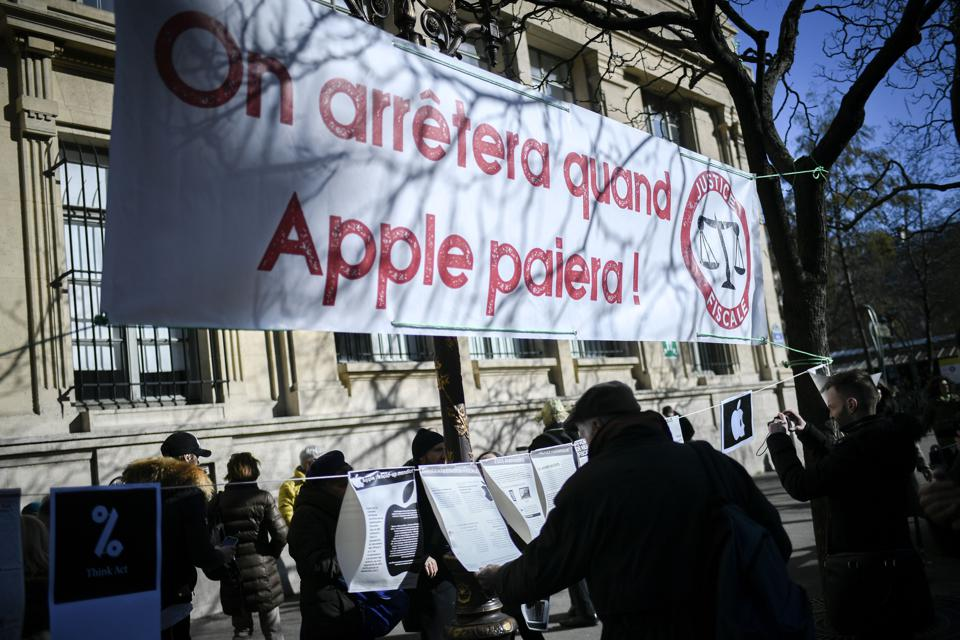 FRANCE-US-ECONOMY-TAX-APPLE-ATTAC-DEMO
