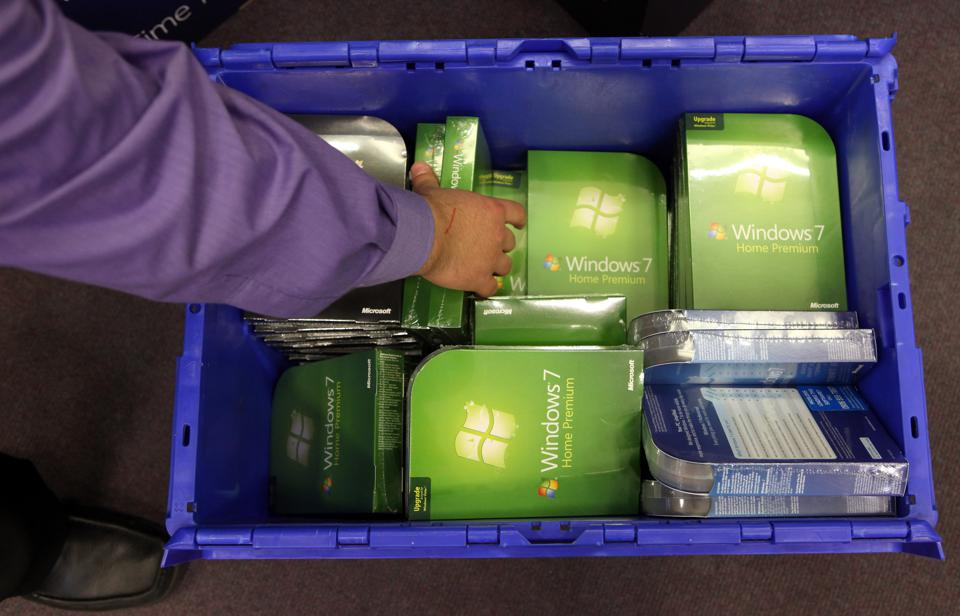 Time to pack away Windows 7 as 'crazy high' security risks revealed