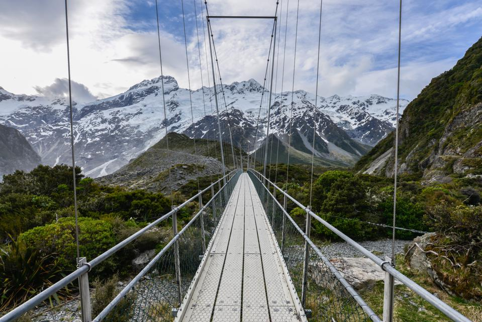 Suspension, sling bridge to Mt Cook