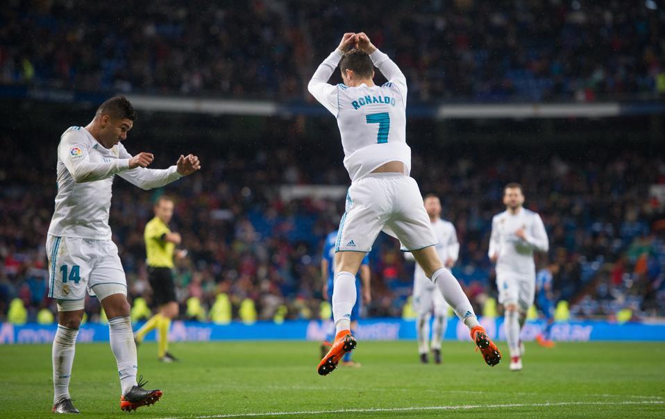 Jumping Celebration Cristiano Ronaldo Real Madrid 2014: Cristiano Ronaldo: What Does The Soccer Icon's Famous 'Si