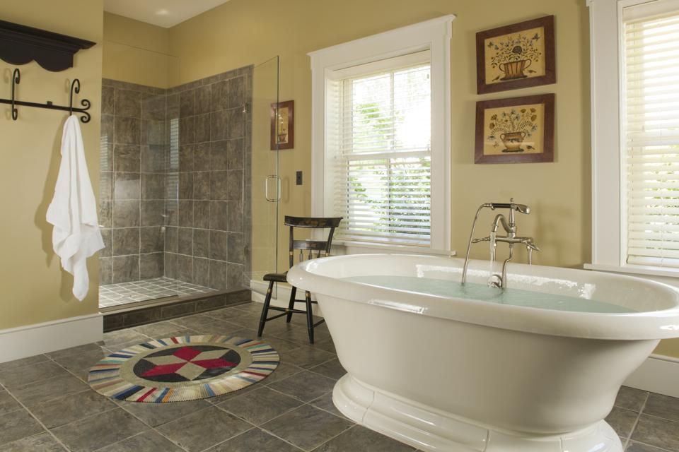 Luxury Bath and Shower, Hermannhoff Inn and Winery, Hermann, Missouri