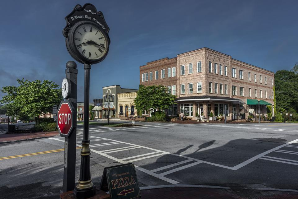 SENOIA GEORGIA, Historic small town and clock where 'Walking Dead' is filmed