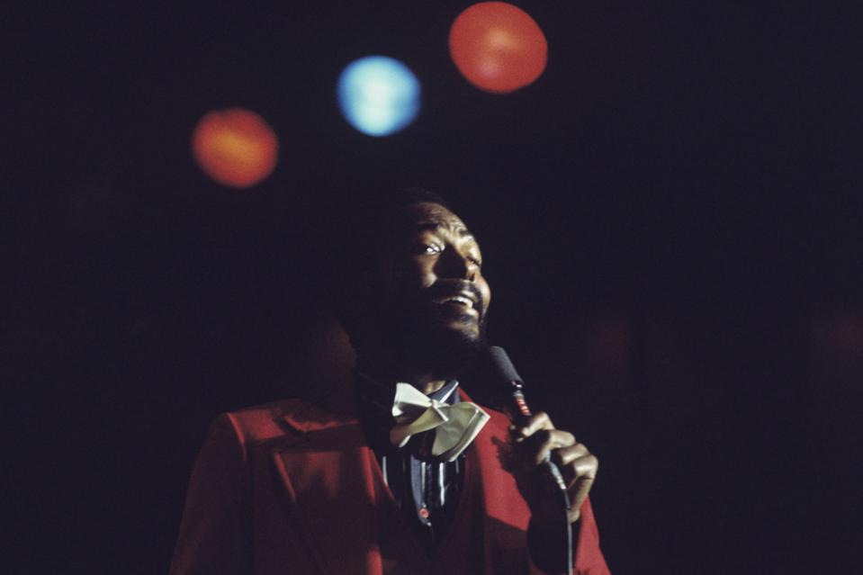 Marvin Gaye Performs On Stage