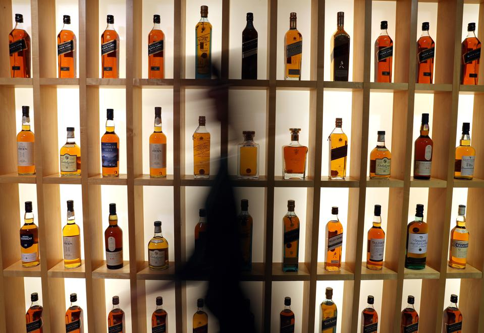 Coronavirus Spreads: Whisky & Spirits Industry To Lose 200 Million In 2020